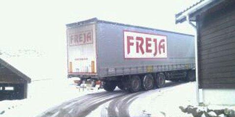 Denne traileren endte opp i Rundaberget, og klarte ikke svingen.