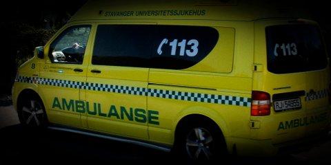 To personer ble fraktet bort i ambulanse etter en kjedekollisjon på Bråstein søndag.