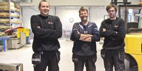 Gründer Per Torbjørn Edland har med seg Johannes Våge og Kristoffer Våge i det nye verkstedet i næringsparken.