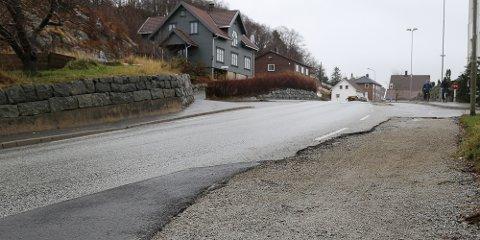 Rettedalen blir midlertidig asfaltert for vinteren, mens Vegvesenet er forsinket med arbeidet sitt.