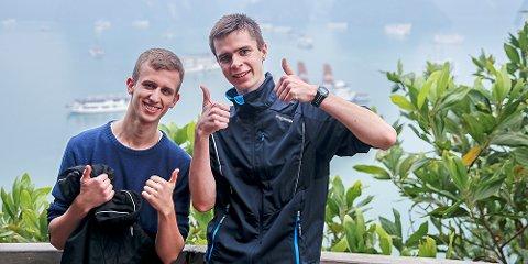 Sindre Broch (til venstre) og Bjarte Espedokken bruker de to første månedene av året på å komme seg rundt jorda.