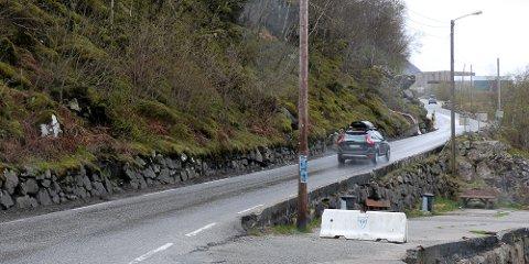 På denne strekningen skal vegvesenet utbedre veien. Nå jobber de med å komme til enighet med grunneierne på strekningen.