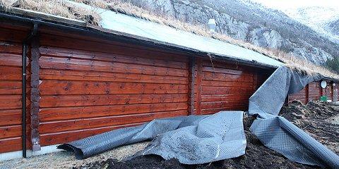 En god del av taket ga etter og raste fra Lafthuset.