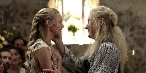 SKUESPILLERNE: Amanda Seyfried og Meryl Streep er tilbake i rollene som mor og datter, Donna og Sophie.