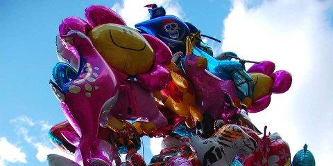 PROBLEM: Slike gassballonger er blitt et miljøproblem, og Miljøpartiet fikk hele kommunestyret med på et forbud mot salg og bruk av slike ballonger i Halden.