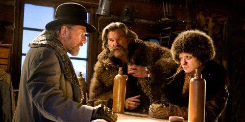ACTION: Tim Roth, Kurt Russel og Jennifer Jason Leigh i The Hateful Eight.