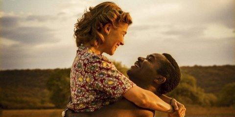 Historisk kjærlighet: A United Kingdom er basert på den sanne og fantastiske kjærlighetshistorien til afrikanske Seretse Khama og engelske Ruth Williams.