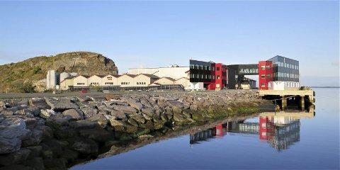 Oppdrettsselskapet Nova Sea vil bygget et nytt slakteri på Lovund. – Nytt slakteri kommer i en lang rekke av nye investeringer som gjøres i Nova Sea-konsernet, sier adm.dir. Tom Eirik Aasjord. Pressefoto