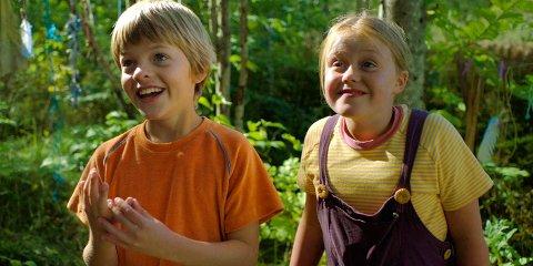 FAMILIEFILM: Lillebror og Eddy har sentrale roller i filmen om Knerten og sjøormen.