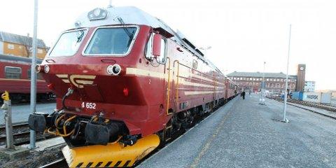 ENDESTASJONEN: Nordlandsbanen stopper i dag her i Bodø. Strekningen ble sluttført i juni 1962, og siden er det ikke lagt en eneste meter jernbaneskinne i Nord-Norge.