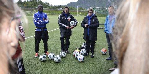 B&Y ILs Roger Mathisen (i midten) er bekymret for hva som vil skje med tallet på utøvere når fotballen kommer i gang for alvor igjen.
