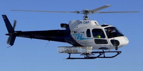 Midtnorsk helikopterservice er med på linjebefaringen sammen med Helgeland Kraft Nett.