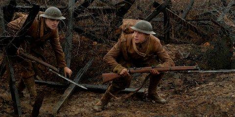 "KRIG: Bilde fra filmen ""1917"". Første verdenskrig raser og to unge britiske soldater, Schofield (George MacKay) og Blake (Dean-Charles Chapman), sendes ut på et tilsynelatende umulig oppdrag."