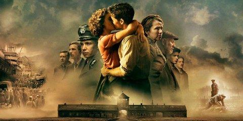 DEN STØRSTE FORBRYTELSEN: En storslått og dramatisk film basert på virkelige hendelser som strekker seg fra 30-tallet til fredsdagene i 1945. Fortellingen om familien Braude står i sentrum for handlingen.
