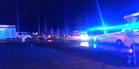 INGEN SKADET: Her står de to bilene som kolliderte onsdag ettermiddag. FOTO: TRYM HELBOSTAD