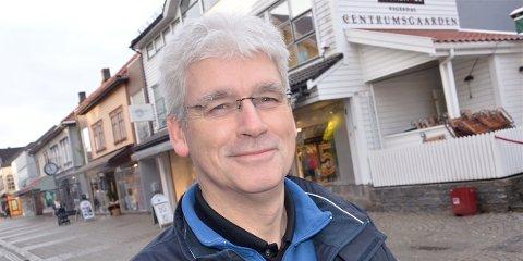 SKEPTISK: Egil Handeland i Sandnes Taxi har liten tro på at gjennomkjøring i Havnegata i rushtiden vil gjøre underverker på trafikken i sentrum.