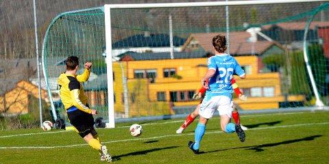Så nær var Vetle Myhre scoring mot Sandnes Ulf. Denne sjansen kom på stillingen 2-0 til Sandnes Ulf.