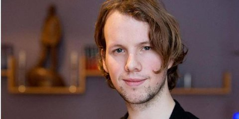 Anders Brenno (30) fra Bagn er snart klar med sin andre bok.