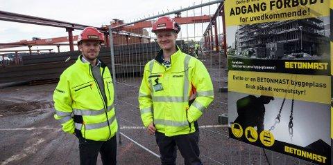 VOKSER OG VOKSER: Eskil Thorkildsen (t.v.) anslår at Betonmast Buskerud-Vestfold AS vil nærme seg 400 millioner i omsetning i år. Her sammen med anleggsbas Christopher Carlsen.