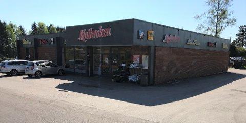 TIL SALGS: Ebbestad nærsenter på Svelvik er nå til salgs.