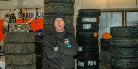 TRAVEL: Bjørn Erik Walle i Web-Bil, som tilbyr dekkskifte og dekkhotell.