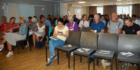 OPPMØTE: Omtrent 50 personer møtte opp på seminaret, som var samtidig som sommertoget.