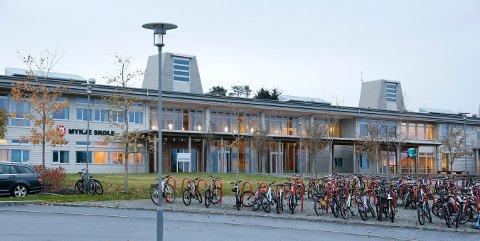 GRØNT NIVÅ: Barnehager, barne-, ungdoms,- og videregående skoler i Karmøy kommune driftes på grønt nivå fra mandag av.