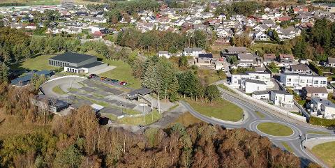 SKISSE: Svømmehallen er tegnet inn til venstre i bildet, som nabo til BMX-banen og Trollvikahallen. Her er også den planlagte rundkjøringen ved ei ny bro på fv 505 tegnet inn.