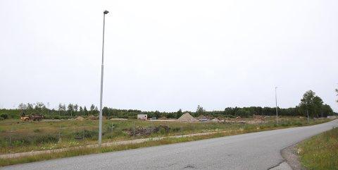 21,9 MILLIONER: AIM Norway måtte ut med 21.890.370 kroner for tomta langs Flyplassveien i Rygge.