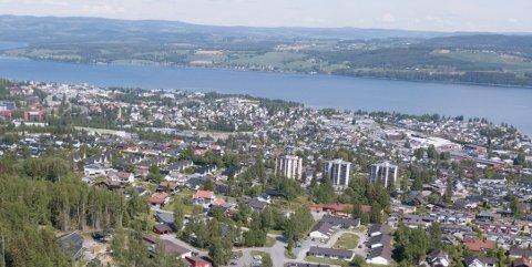 KARTLEGGING: Politiet etterlyser de konkrete observasjoner, tips og bilder fra for eksempel dasbhoard-kameraer i Gjøvik sentrum hele tirsdag.
