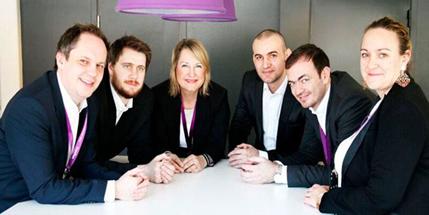 """Bedriftssenteret Buskerud er en av kandidatene til prisen """"årets bedriftsforhandler"""". Fra venstre: Jon-Are Loktu, Eirik Rauboti, Liv Gravdahl, Nikolas Djurinac, Ismet Duracak og Mari Lehne Lier."""