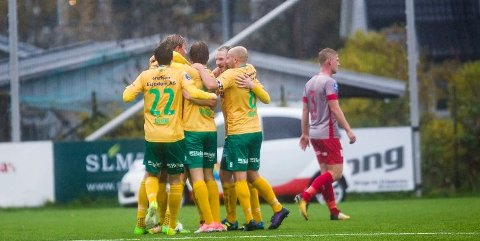 NORSK SKEPSIS: Mange nordmenn er skeptiske til at Ull/Kisa, Strømmen og andre norske toppklubber skal starte opp med fotballen igjen.