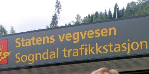 SKJERPAR: Statens vegvesen skjerpar tiltak for smittevern på trafikkstasjonane dersom det vert lokale koronautbrot.