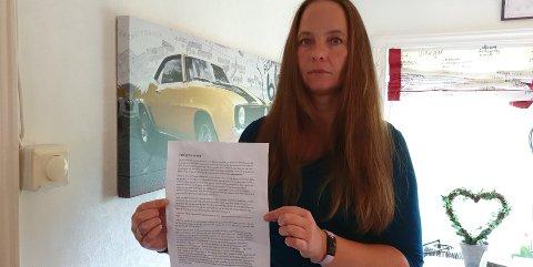 BREV: Cecilie Løberg reagerer på brevet hun fikk i postkassen uten noen avsender som inneholder dommedagsprofetier.