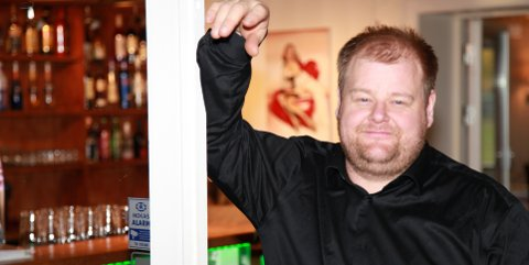 Søker: Frank Johansen søker om ny skjenkebevilgning til Parken Bar og Restaurant AS. Saken unntas offentlighet.