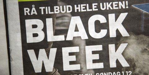 Handleuke: Black Friday og Black Week preger denne uken. De store leverandørene av sportsklær, møbler og elektro fyller postkasser og aviser. Foto: Lise Åserud / NTB scanpix