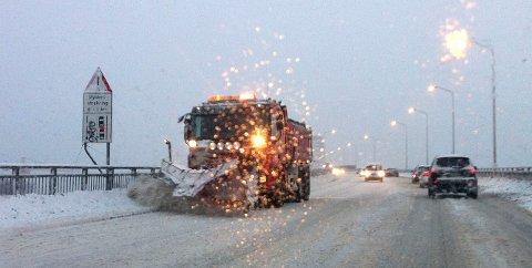 KLARE HVIS DET KOMMER SNØ: Opptil 75 enheter er klare til å rykke ut dersom det varslede snøfallet skulle innfinne seg de neste timene.