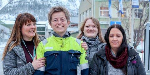 Tusen takk: Hege Kristin Johansen, Inger Fagerbakk og Sigrid Ørjevatn er svært takknemlig for gaven fra Kathrine Næss (nr 2 fra venstre) og Alcoa. Foto: Lise Jeanette Nilsen