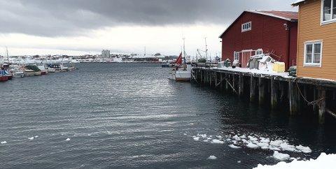 STORM FLERE STEDER: Meteorologen forteller at det flere steder har vært storm i Finnmark  torsdag og fredag, men at nå blir det roligere.