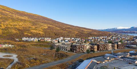 STORELVTUN: Slik skulle området egentlig se ut, men etter en treg salgstart skal boligblokkene omprosjekteres.
