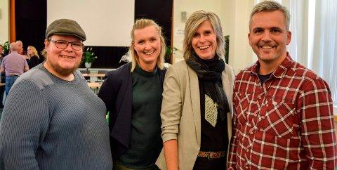 TREKKER FORSLAG: Det blågrønne flertallet i Østre Toten trekker forslaget om å utrede rørledning for kloakk over Mjøsa. F.v. Tor gaute Lien (Frp), Kristin Jess Bakken (V), varaordfører Tove Beate Skjolddal Karlsen (H) og ordfører Bror Helgestad (Sp).