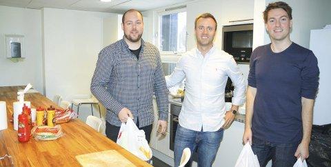 LEVERER: Kolonial.no vil nå levere varer hjem til folk i Ski og Oppegård. Her ved Tommy Gudmundsen, Vegard Vik og Christian Michalsen. FOTO: KARIN HANSTENSEN
