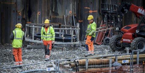 OPPTRAPPING: Arbeid utenfor sporet blir intensivert under streiken. FOTO: EIRIK LØKKEMOEN BJERKLUND