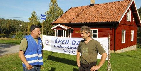 VELKOMMEN TIL GRØNSLET: Reidar Haugen i Kiwanis Siggerud og Arne Gunnar Havnås i Ski JFF håper riktig mange finner veien til Grønslet søndag. FOTO: METTE KVITLE