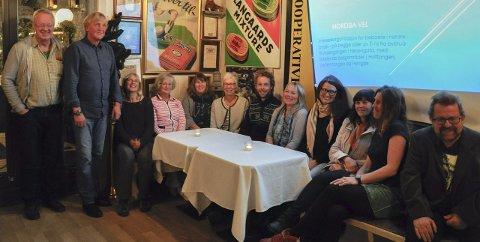 Nordsia Vel: 13 personer møtte opp for å være med i starten av etablering av velforening i nordre bydel. Til høyre: initiativtaker Jens E. Fjeld.
