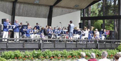 I år som i fjor i Søndre Park, Hønefoss Ungdomskorps.