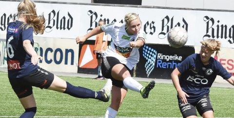 Reduserte: Silje Nyhagen scoret HBKs eneste mål mot Hallingdal.
