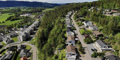 BYGGES UT: Det planlegges 600 nye boliger i området hvor det er grøntområder og rekreasjon per i dag. ARKIVFOTO