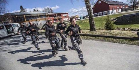 Trening: Det er strenge krav til fysisk styrke og alle må gjennom tøffe treningsprogram.