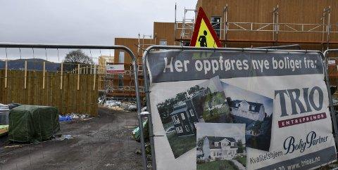 BoligPartner: Det ble bråstopp i arbeidene i Tandbergåsen i slutten av mars. Nå går det mot en enighet mellom underentreprenørene og BoligPartner slik at arbeidene kan starte opp igjen. ARKIVFOTO